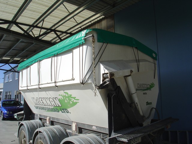 Fertiliser_truck