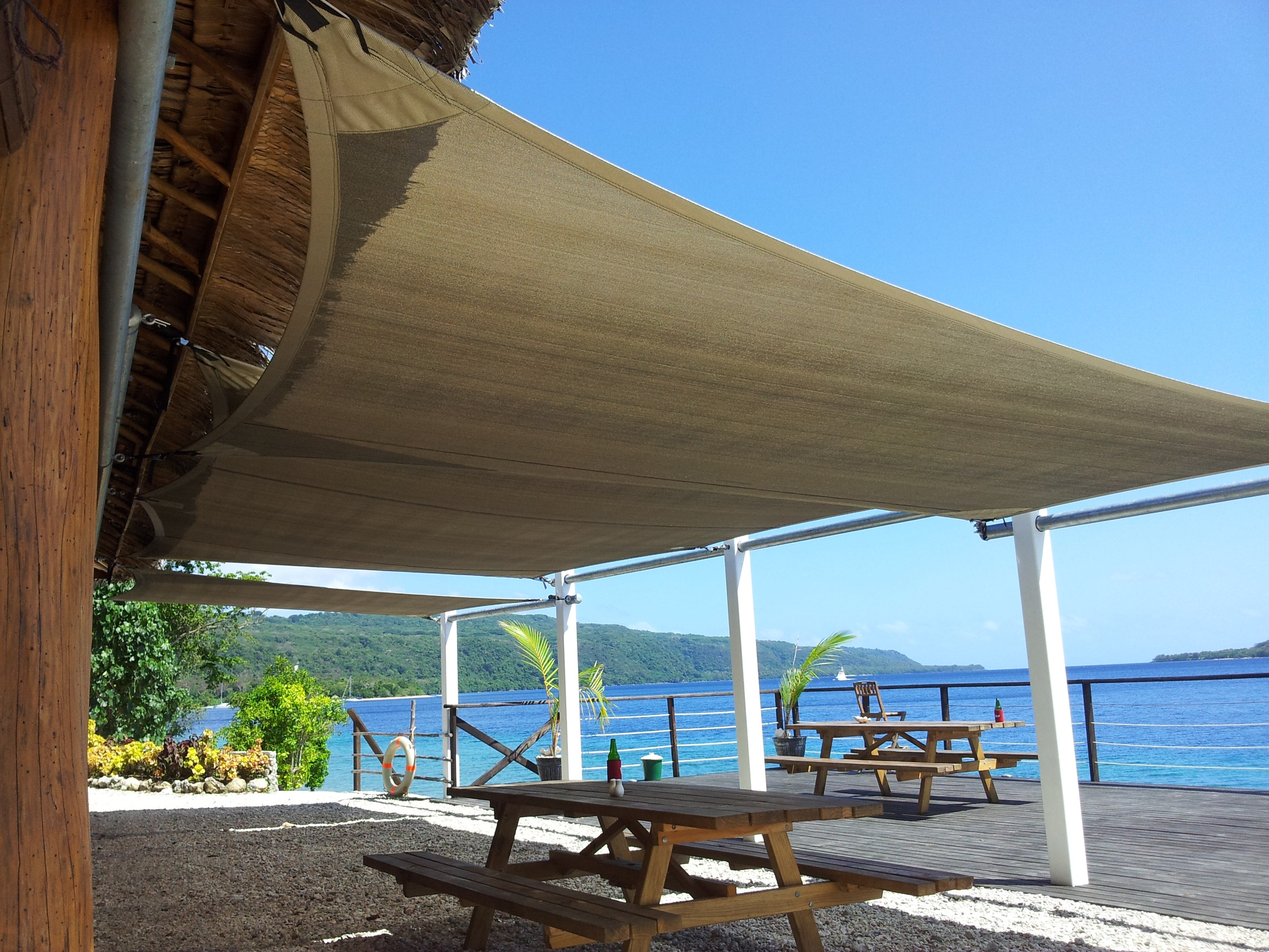 Shade sails at a restaurant dining area