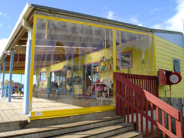 kindy_veranda_curtain